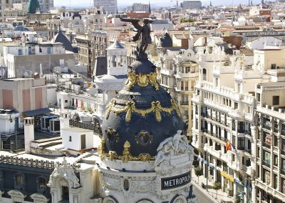 2048px-Edificio_Metrópolis_(Madrid)_19