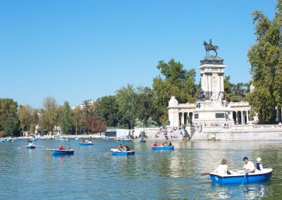 madrid_spain_parks_paddle_boats_paddle_sculpture_stone_monument-1021899.jpg!d