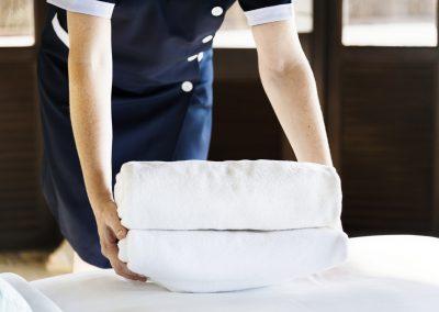 trabajar-hosteleria-camarrera-hotel-londres