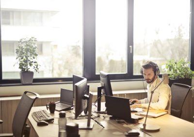 trabajar-hosteleria-oficina-reservas-londres